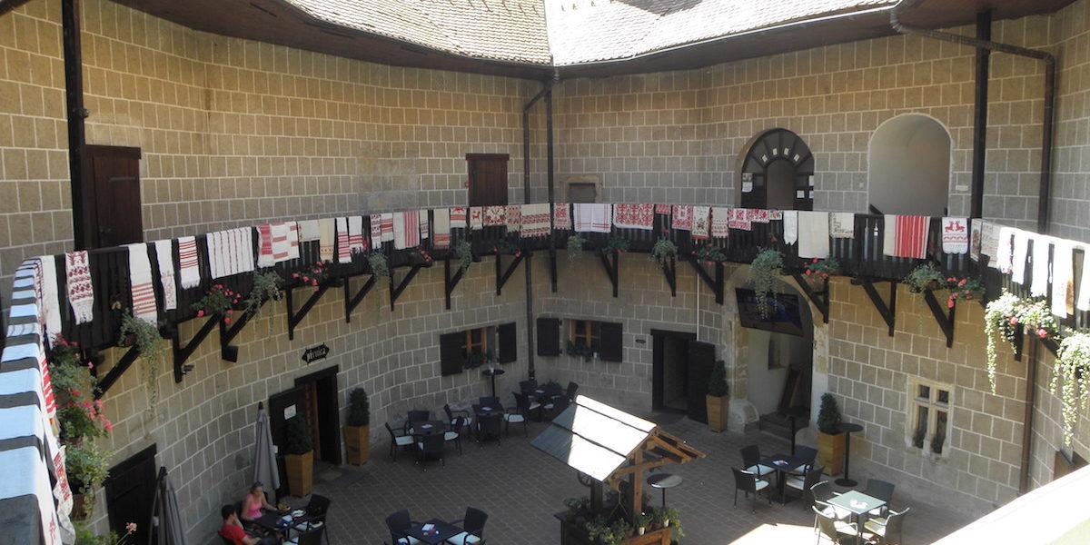 Preventivna zaštita tekstilnog rukotvorstva u Muzeju grada Đurđevca