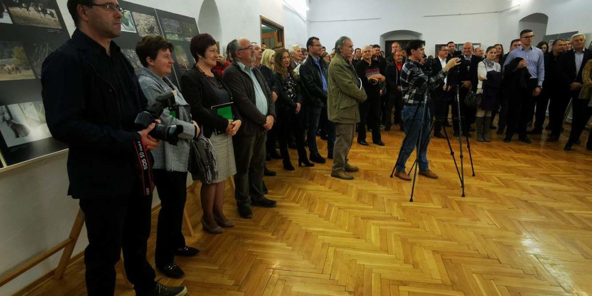"""U Muzeju Grada Đurđevca pred brojnom publikom otvorena izložba """"Šuma okom šumara"""""""