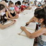Održana radionica slikanja pjenom i izrade drvenih okvira za slike